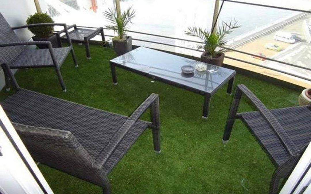 terrazas y césped artificial